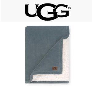 UGG Bliss Reversible Sherpa Green Throw Blanket
